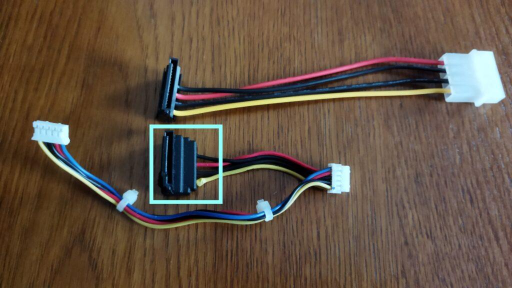 東芝ブルーレイ DBR-T350 HDD SATA コネクタ交換作業 その1